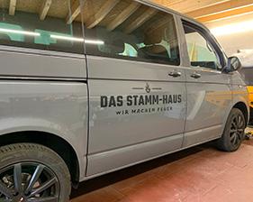 Das Stamm-Haus Fahrzeugbeschriftung